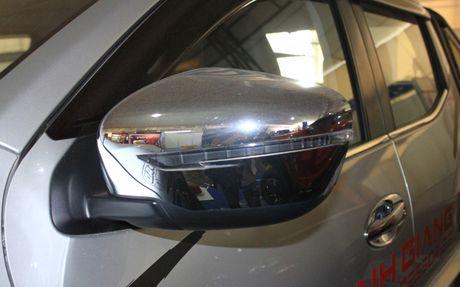 Nissan Navara lot xac nho goi do tri gia 500 trieu dong - Anh 7