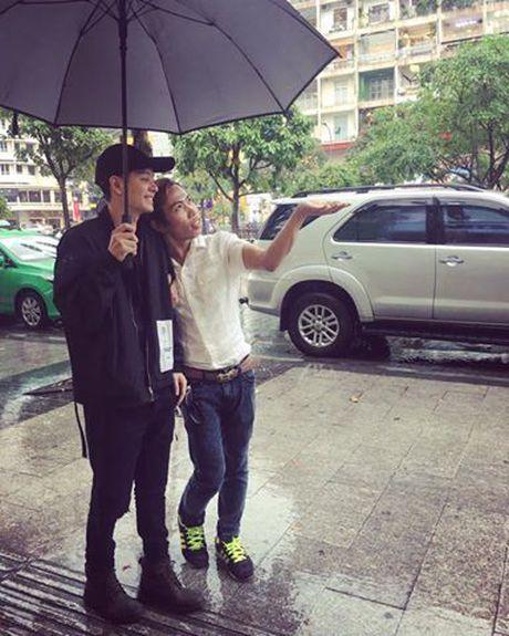 Cap doi Tung Son va ban trai 'hot boy' bi mia mai cau view: Nguoi trong cuoc noi gi? - Anh 3