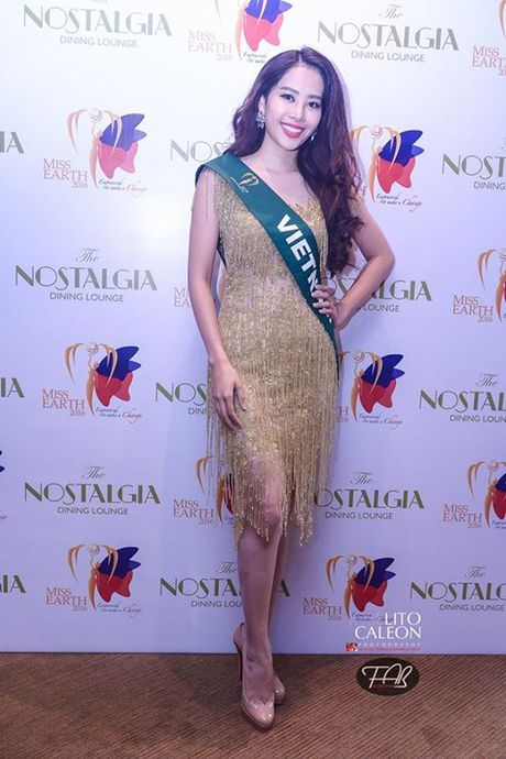 Dien vay giong Pham Huong, Nam Em lien tuc gay chu y tai Miss Earth 2016 - Anh 3
