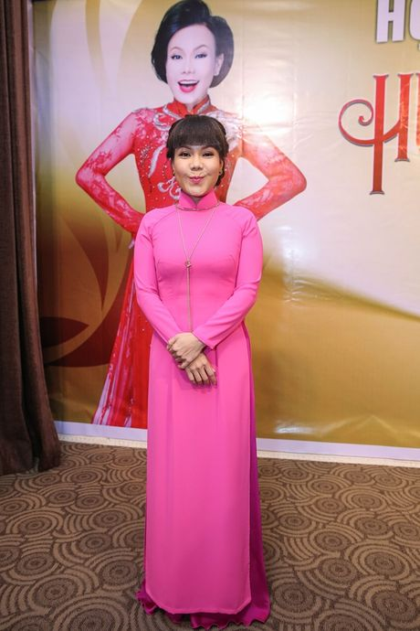 Liveshow Viet Huong tang ve mien phi cho sinh vien ngheo - Anh 2