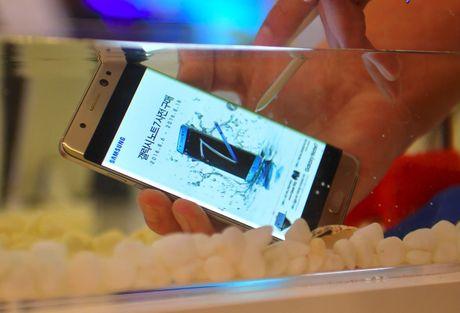 Cac he thong ban le tai Viet Nam khong con ban Galaxy Note 7 - Anh 2
