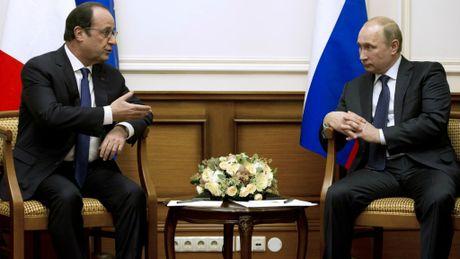 Tong thong Putin huy tham Phap - Anh 1