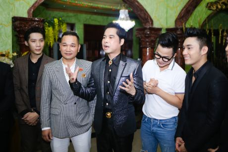 Ngoc Son to chuc le nhan hoc tro tai biet thu Thien Nien Ky - Anh 3