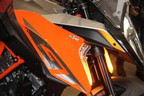 KTM 1290 Super Duke GT - sieu xe phuot gia 690 trieu dong - Anh 13