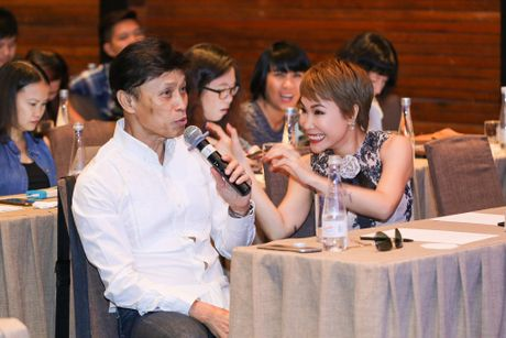 Uyen Linh nan ni duoc hat cung danh ca Tuan Ngoc - Anh 5
