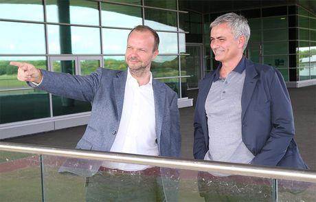 Chuyen chua ke ve lan 'ket hon' hut giua Mourinho va MU - Anh 3