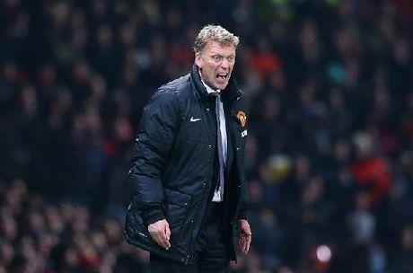 TIET LO: Jose Mourinho tung tu choi Man United trong mot... chiec xe tai - Anh 2