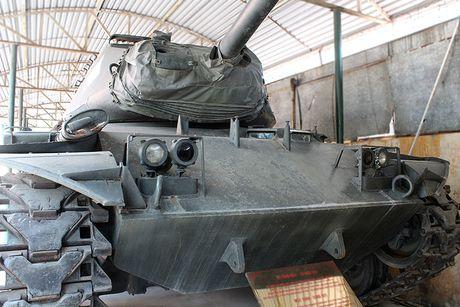 Xe tang M41 do bo doi ta lai ban chay 7 xe thiet giap M113 cua dich - Anh 1