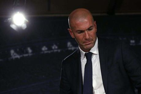 Zidane noi gi sau 'Virus FIFA' tan pha Real - Anh 1