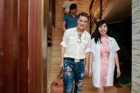 Dam Vinh Hung cham soc dung nhan truoc liveshow 12 ty - Anh 1