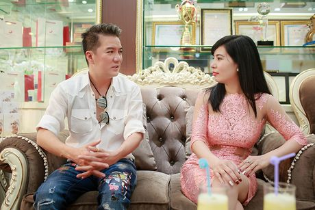 Dam Vinh Hung cham soc dung nhan truoc liveshow 12 ty - Anh 4