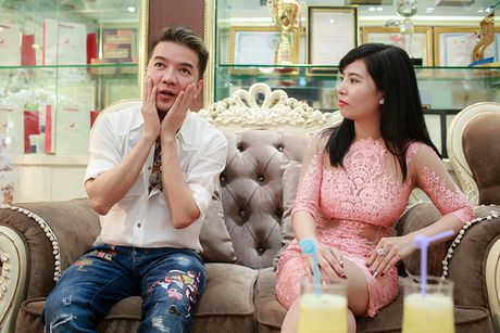 Dam Vinh Hung cham soc dung nhan truoc liveshow 12 ty - Anh 5