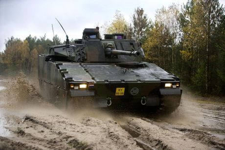 Nhan dien xe boc thep toi tan NATO 'ap sat' Nga - Anh 6