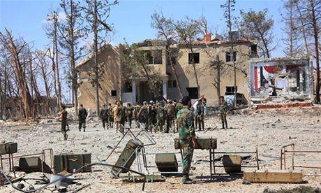 Quan doi Syria giao tranh ac liet voi khung bo khap Aleppo - Anh 1