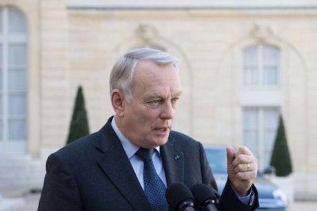 Phap lay lam tiec ve viec ong Putin huy chuyen tham Paris - Anh 1