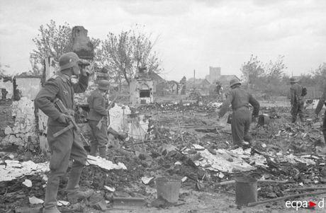 Loat anh kinh hoang mat tran Stalingrad nam 1942-1943 - Anh 13