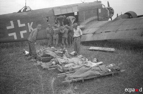 Loat anh kinh hoang mat tran Stalingrad nam 1942-1943 - Anh 17