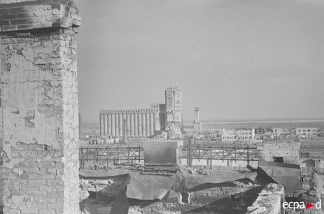 Loat anh kinh hoang mat tran Stalingrad nam 1942-1943 - Anh 9