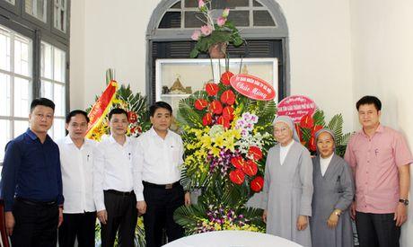 Chu tich UBND TP Nguyen Duc Chung tham, chuc mung Hoi Dong Thanh Phaolo thanh Chartres - Tinh dong Ha Noi - Anh 1