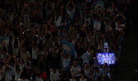 Argentina thua dau, Brazil vuot len dan dau o Nam My - Anh 5