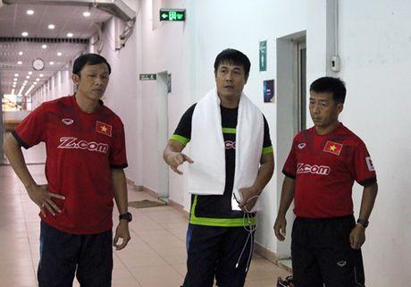 Tan binh Quang Huy 'soc' vi duoc HLV Huu Thang goi len tuyen Viet Nam - Anh 2