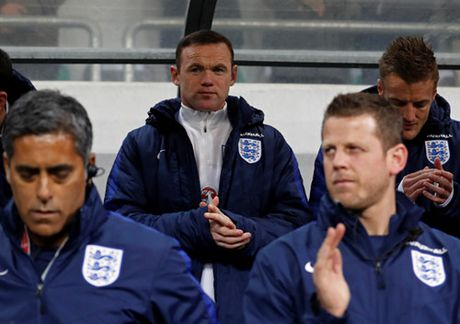 Ryan Giggs: 'Mourinho da sai lam trong cach su dung Rooney' - Anh 2