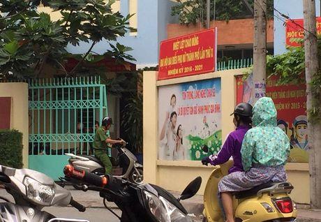 TP HCM: Sung no trong UBND phuong, 1 nguoi tu vong - Anh 1