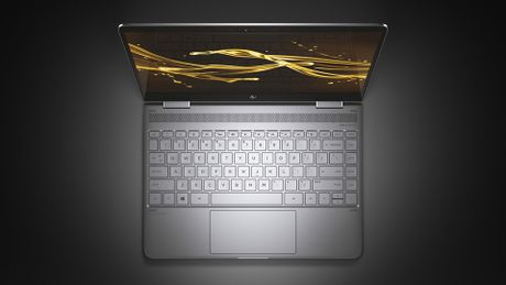 HP nang cap Spectre x360: CPU Kaby Lake, may mong va nhe hon, pin lau hon (15 tieng), gia 1.050 USD - Anh 1