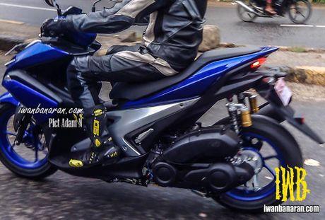 Day co phai la Yamaha NVX 155, chiec xe tay ga thay the Nouvo? - Anh 2