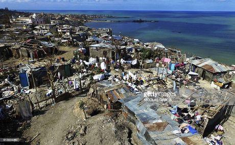 WHO chuyen 1 trieu lieu vaccine chong benh ta toi Haiti - Anh 5