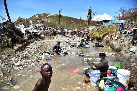 WHO chuyen 1 trieu lieu vaccine chong benh ta toi Haiti - Anh 6