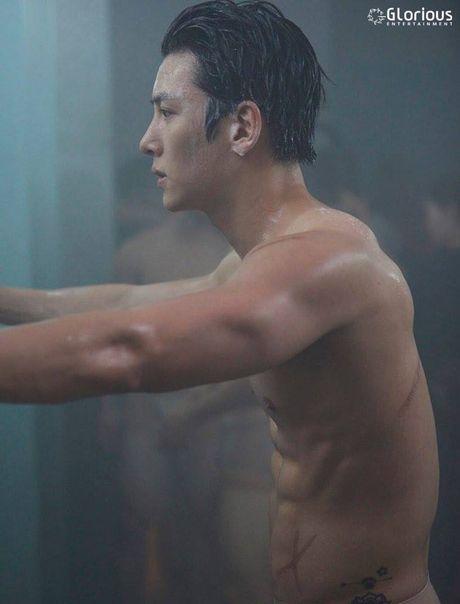 'Ngat' voi man khoe body cua ji Chang Wook trong drama 'The K2' - Anh 10