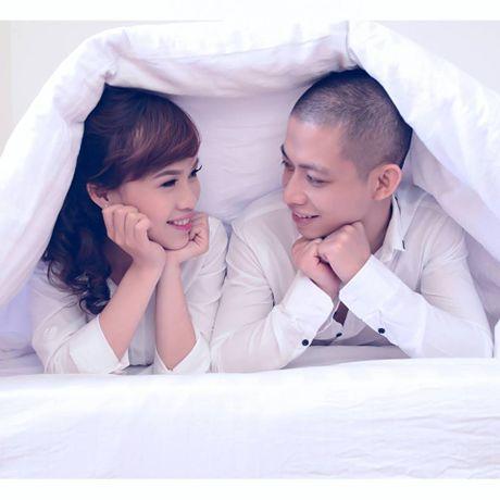 Co dau, chu re hot hoang vi co nguoi nam tren giuong dem tan hon - Anh 2