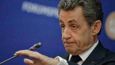 Ong Sarkozy: Hollande cu xu vo trach nhiem voi Nga - Anh 1