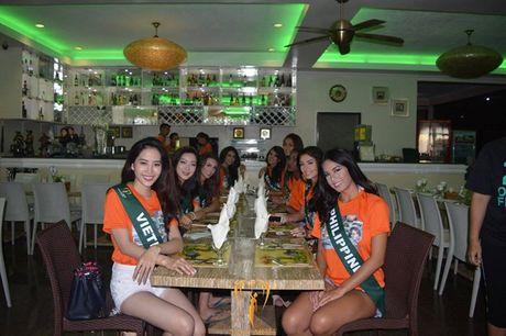Nam Em khoe voc dang san chac voi bikini tai Miss Earth - Anh 15
