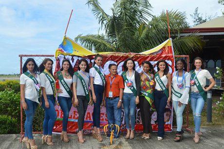Nam Em khoe voc dang san chac voi bikini tai Miss Earth - Anh 18