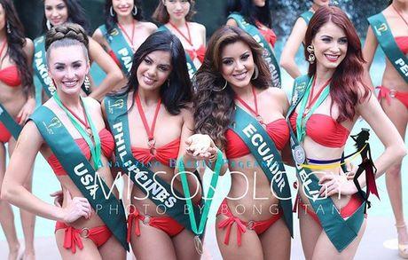 Nam Em khoe voc dang san chac voi bikini tai Miss Earth - Anh 2