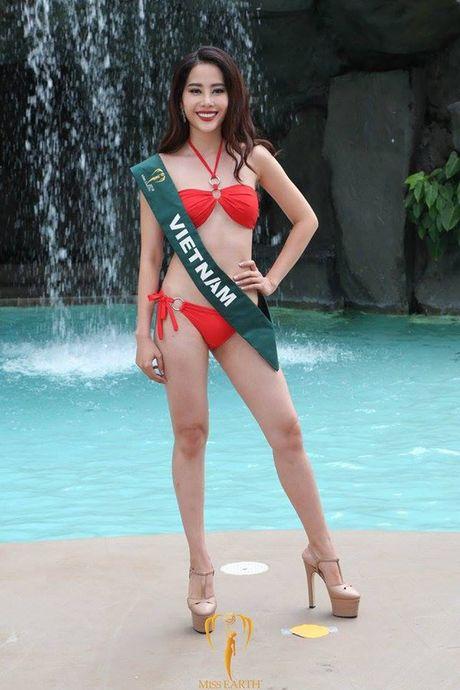 Nam Em khoe voc dang san chac voi bikini tai Miss Earth - Anh 3