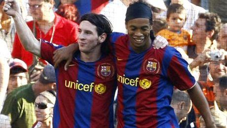 Ronaldinho ung ho Messi gianh Qua bong Vang 2016 - Anh 1