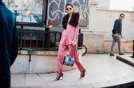 Street Style Paris Fashion Week 2017 - dinh cao cua su don gian - Anh 9
