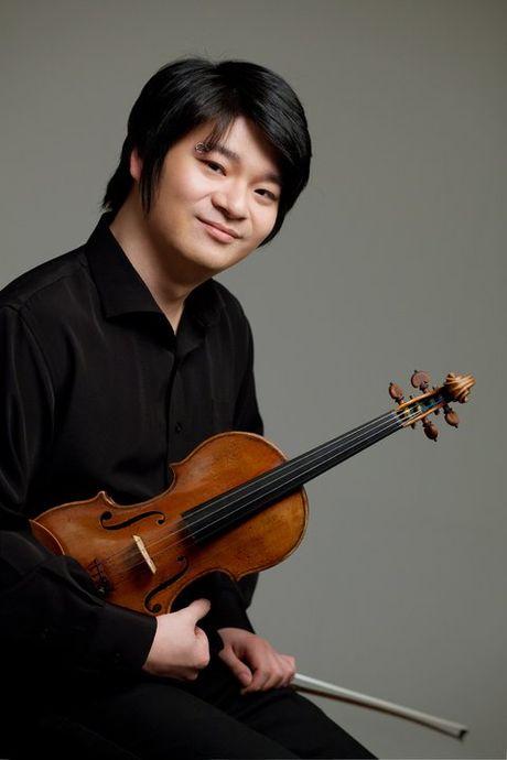 Than dong violin Han Quoc chet tren xe taxi sau khi uong ruou - Anh 2