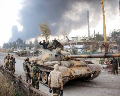 Video chien su Aleppo: Tran chien sinh tu o 'Stalingrad Syria' - Anh 1
