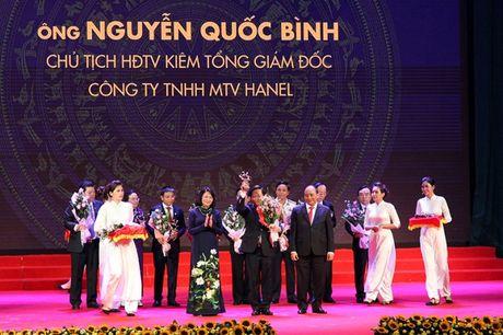 Tong giam doc Hanel lan thu 3 lien tiep nhan cup Thanh Giong - Anh 1