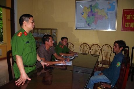 Ha Nam: Bat doi tuong bi truy na trong vu dung sung dien trom cho - Anh 1