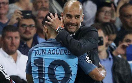 Argentina bet bat, Aguero 'cau cuu' Pep Guardiola - Anh 1