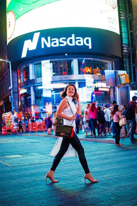 A hau Ao dai Chung Vu Thanh Uyen khoe sac o New York - Anh 10
