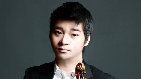 Nghe si violin Han Quoc chet tren xe taxi - Anh 1