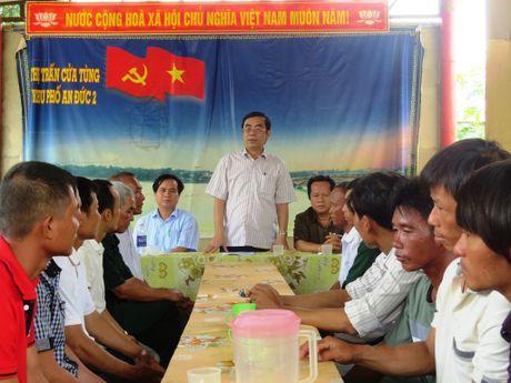 Quang Tri cam on nhung ngu dan cuu ho tau chim, tranh duoc tham hoa tren bien - Anh 2