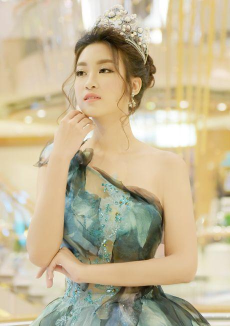 Hoa hau Do My Linh dien dam cong chua du su kien o Dai Loan - Anh 5