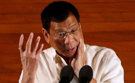 Gian My, Tong thong Duterte bat ngo 'ninh' Trung Quoc - Anh 1